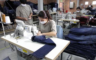 Gremio de industriales dará su acuerdo para suba de salario mínimo