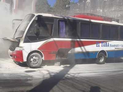 Susto por principio de incendio en bus de pasajeros