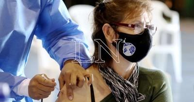 La Nación / Vacunas AstraZeneca donadas por México se destinarían para segunda dosis