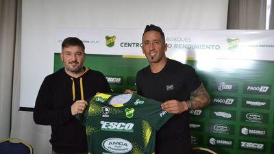 Lucas Barrios es nuevo jugador de Defensa y Justicia