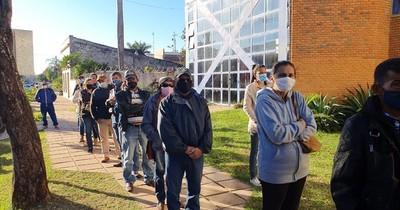 La Nación / Se inició vacunación a franja de 55 años en Concepción