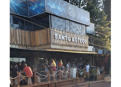 Ministerio Público evalúa imputaciones por aglomeración en bar de Ciudad del Este
