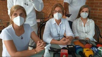 ¡Ni afiches hicieron! Familia Denis reclama más acción al gobierno para encontrar a los secuestrados