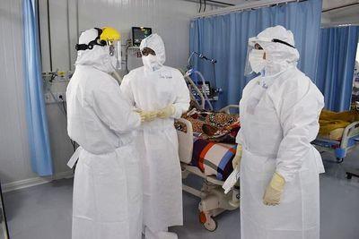Los guantes se usan a gran escala y los pedidos al ministerio no cesan desde el Hospital Nacional de Itauguá