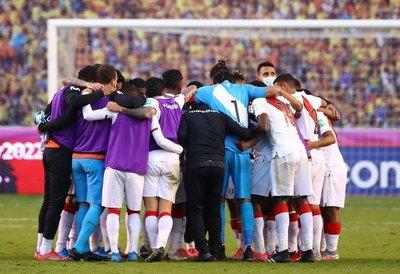 Preparador físico de Perú contrae COVID-19 y se perderá la Copa América