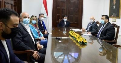 La Nación / Inversor egipcio anuncia instalación de moderna fábrica de insumos médicos