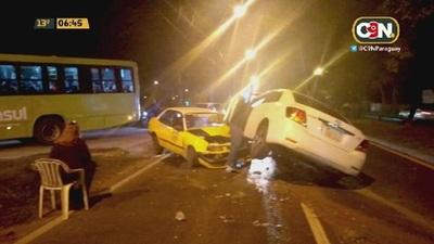 Choque frontal de vehículos sobre la Avda Madame Lynch