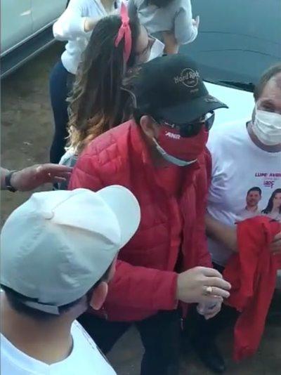 """""""Nenecho"""", haciendo hurras con exsenador condenado"""