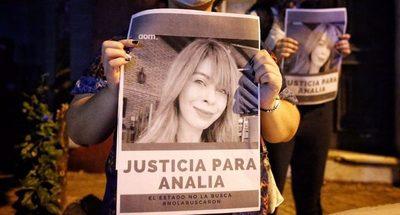 Novio de Analía dijo que ella quiso suicidarse la noche previa a su desaparición, según fiscala