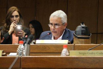 Senador Zavala espera que se obtengan los votos para aceptar veto a la ley de autoblindaje