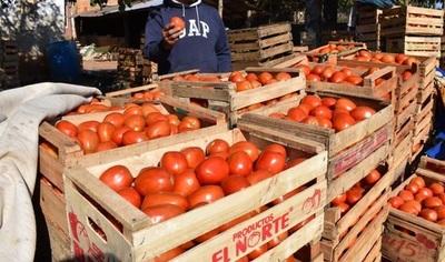 Productores frutihortícolas anuncian movilización en repudio a nulo control ante contrabando
