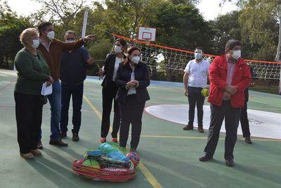 Inauguran plazas deportivas en Misiones