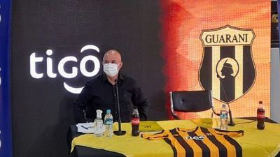 Fernando Jubero, presentado como nuevo técnico de Guaraní