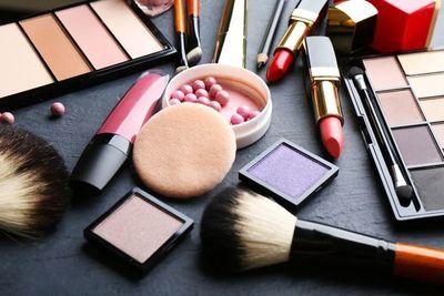 Muchos productos cosméticos contienen químicos vinculados con cánceres