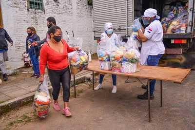 MEC distribuyó más de 304.000 kilos de alimentos a 40 instituciones educativas de Asunción