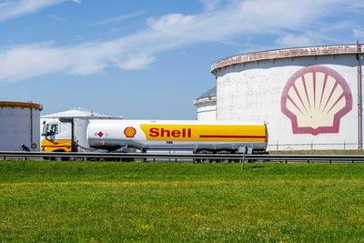Shell pone en marcha una planta de procesamiento de hidrocarburos en Argentina