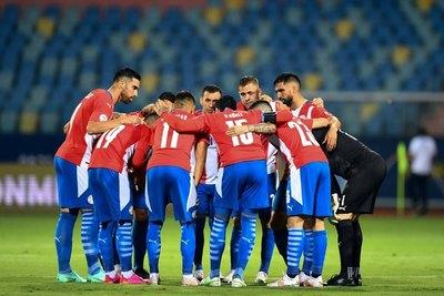 ¿Después de cuánto Paraguay anotó 3 goles en un partido oficial?