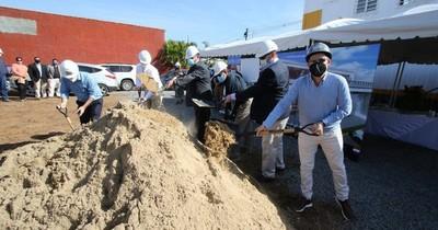La Nación / Crystal House dio la palada inicial a la obra de sus nuevas instalaciones