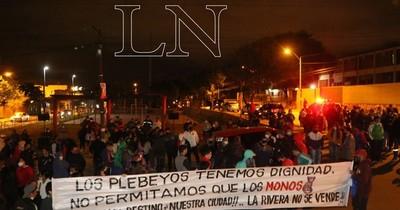 La Nación / Ribereños se movilizaron contra Centurión por querer comprar votos