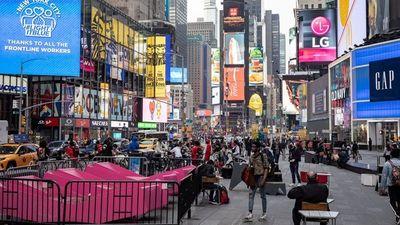 Nueva York levanta restricciones con el 70% de vacunados
