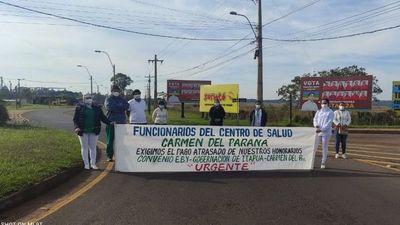 El personal de Salud de Carmen del Paraná cierra ruta