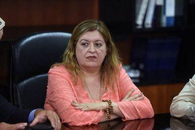 Piden juicio político a Sandra Quiñónez por negligente búsqueda de Analía Rodas
