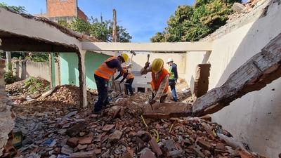 Iniciaron los trabajos de demolición en la zona de obras del futuro Túnel de Tres Bocas