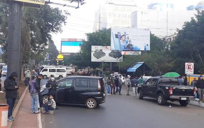 Protesta de un grupo de paseros paralizó el movimiento comercial