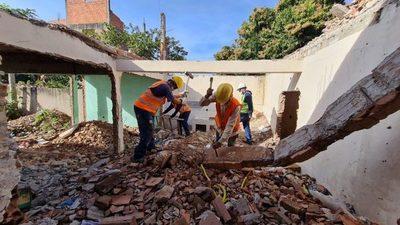 Iniciaron demoliciones en la zona de obras del futuro túnel de Tres Bocas