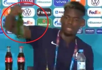Pogba emula a Cristiano y retira una botella de cerveza