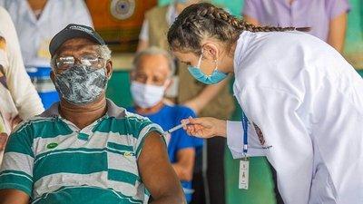 Jueves, viernes y domingo, vacunación será libre para personas nacidas hasta 1966