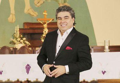 El cuarto tenor se candidata a concejal y pide a los jóvenes participar de las elecciones