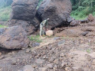 Marinos hallan 22 kilos de COCAINA a orillas del río Paraná
