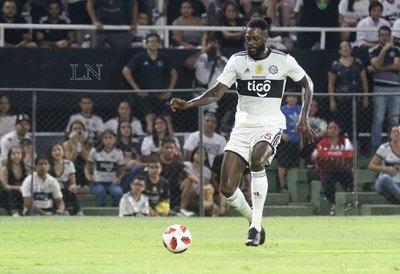 Adebayor reacciona al despido de Rodrigo Rojas y deja un mensaje