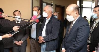 La Nación / Autoridades se comprometen a mitigar el contrabando que afecta a productores