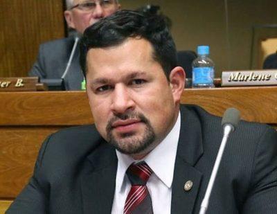 Ulises Quintana dice que peleará por la Intendencia por su compromiso con la ciudadanía esteña