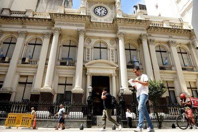 Argentina coloca su deuda en el mercado local por 654,3 millones de dólares