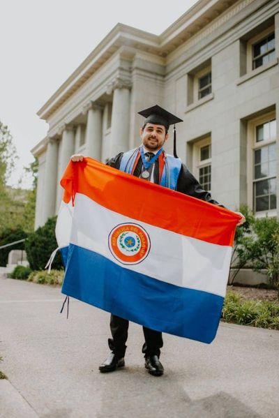 Paraguayo sobresaliente: de Concepción a EEUU para licenciatura en Biología Celular y Molecular
