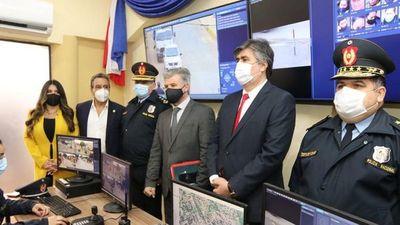 Entre asaltos, Policía y MI celebran instalación de cámaras de seguridad