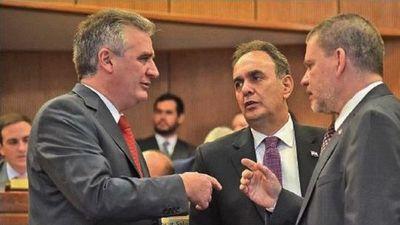 Pulseada  por el Senado se centra en Franco y Salomón