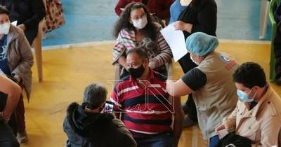 La Nación / Hoy y mañana: vacunación a libre demanda para personas de 55 años registradas