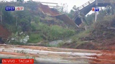 Ante inacción del MOPC, colonos construyen puente paralelo al derrumbado