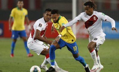 Perú buscará la hazaña ante una Brasil que lleva 13 partidos oficiales sin perder