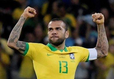 Dani Alves liderará la selección olímpica brasileña, en la que no estará Neymar