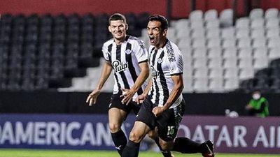 Libertad busca un delantero para ceder a Alfio Oviedo