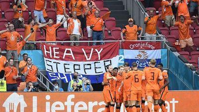 Países Bajos domina a Austria y pasa a octavos de Eurocopa