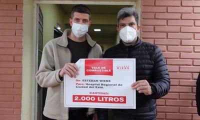 En vez de caravana, Wiens dona 2.000 litros de combustible para ambulancia