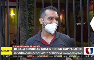 Odontólogo festeja su cumpleaños regalando limpieza bucal a quienes más lo necesitan