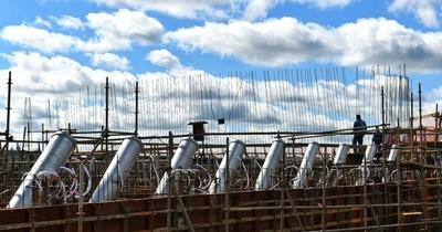 La Nación / Montan 18 tubos para tensores del futuro Puente de la Integración