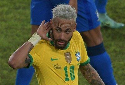 Con el habitual 'show' de Neymar, Brasil se divirtió y goleó a Perú